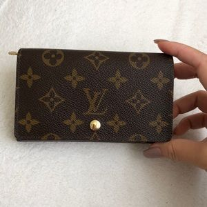 Louis Vuitton trésor bifold wallet